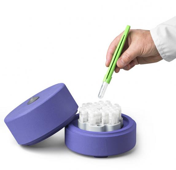 CryoCeps® - Greifzange für Kryoröhrchen